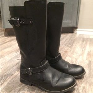 Girl's Black Boots